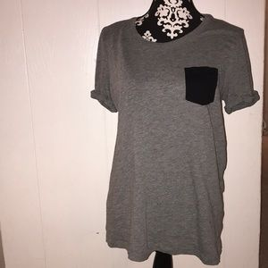 grey and black pocketed t shirt